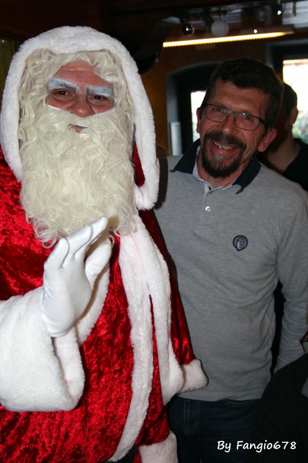 Le vrai Père-Noël c'est celui avec une barbe blanche!