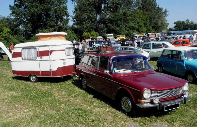 Simca 1301 et sa caravane