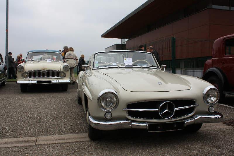 Ariane 4 et Mercedes 190 sl
