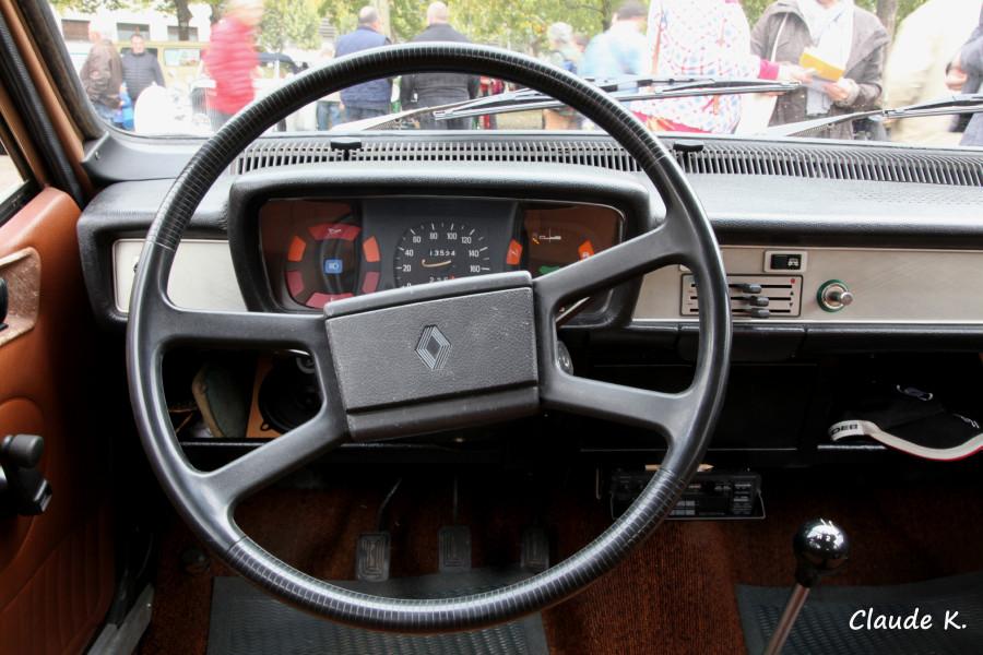Tableau de bord Renault 12 TL 1976