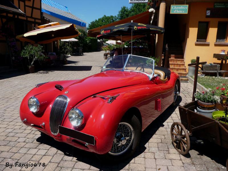 et sa Jaguar