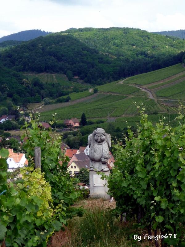 cachée dans les vignes