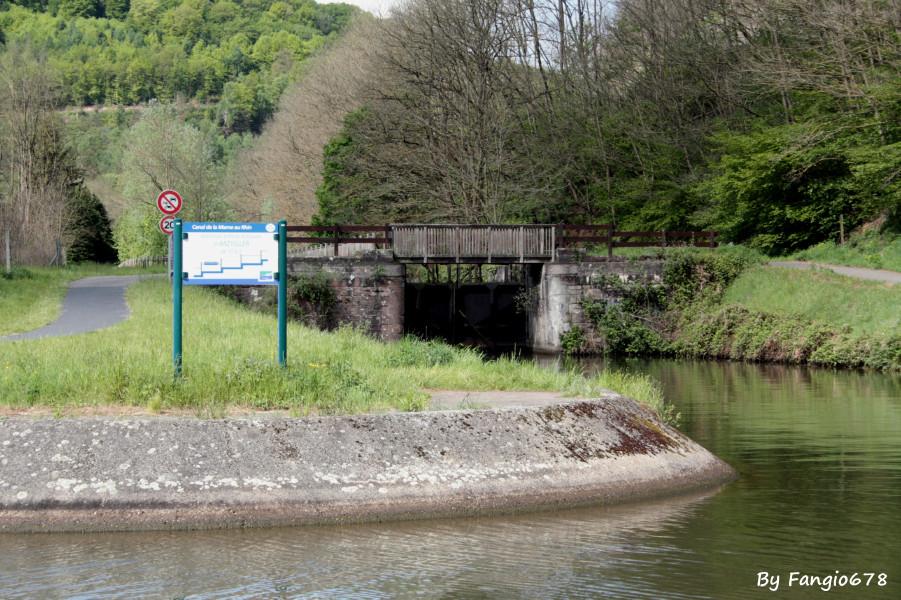 l'entrée du vieux canal, écluse 17