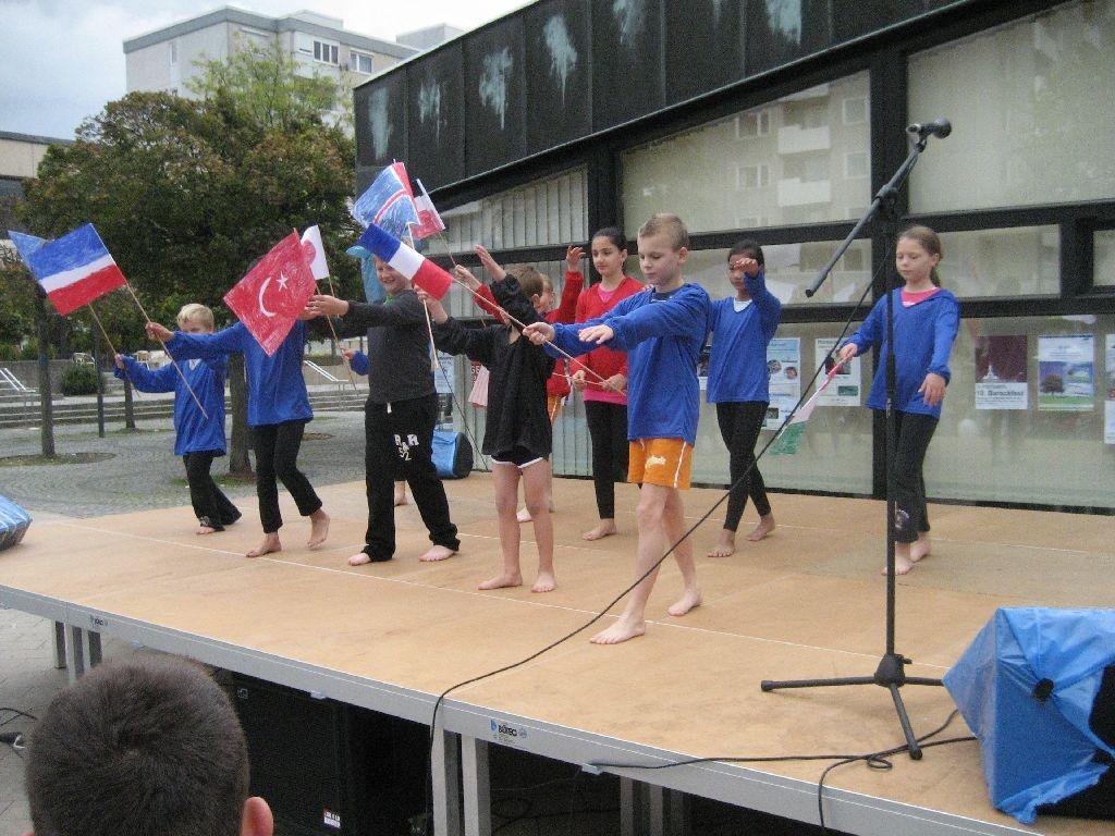 Tanzaufführungen beim Stadtteilfest