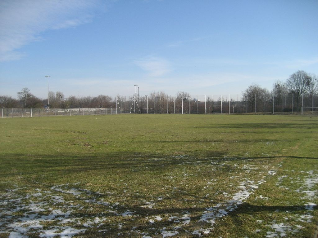 Der Fußballplatz bei der Regenbogenschule