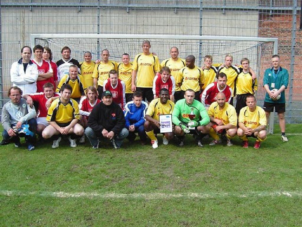 Westhagener beim Fußball in der Justizvollzugsanstalt Wolfenbüttel