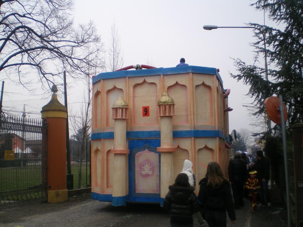 SFILATA  CARNEVALE 2010
