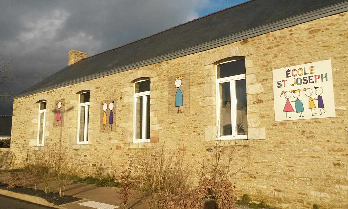 Panneaux PVC pour l'école Saint-Joseph Caden