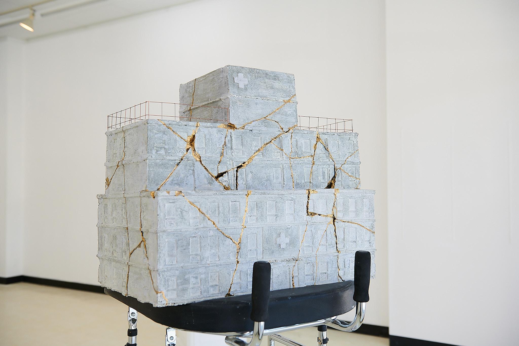 《修復のモニュメント「病院」》 2020年 ©Atsushi Watanabe 2020、©I'm here project2020 共同制作: S氏 撮影: Keisuke Inoue