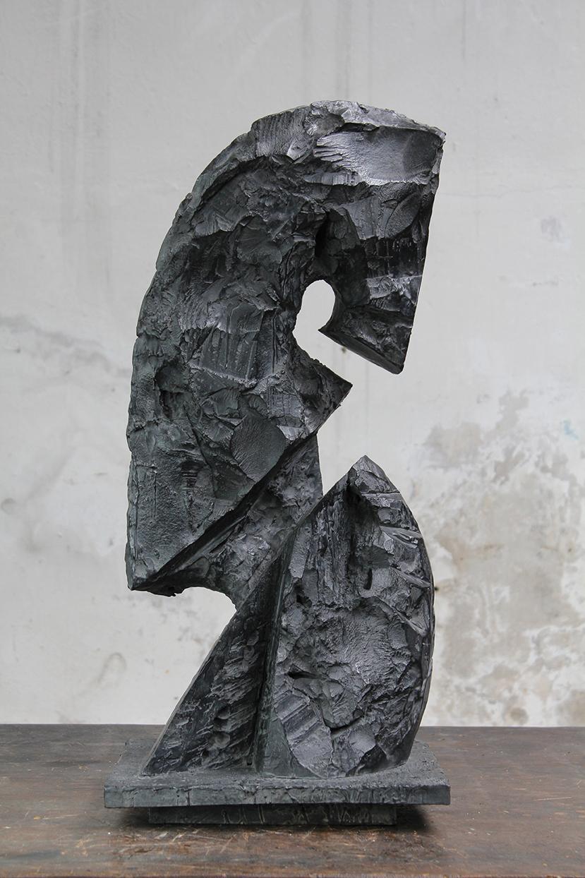 Cavalier, pièce mobile, 2016, bronze, 71 x 32 x 32 cm <br> © Mathilde de Torhout