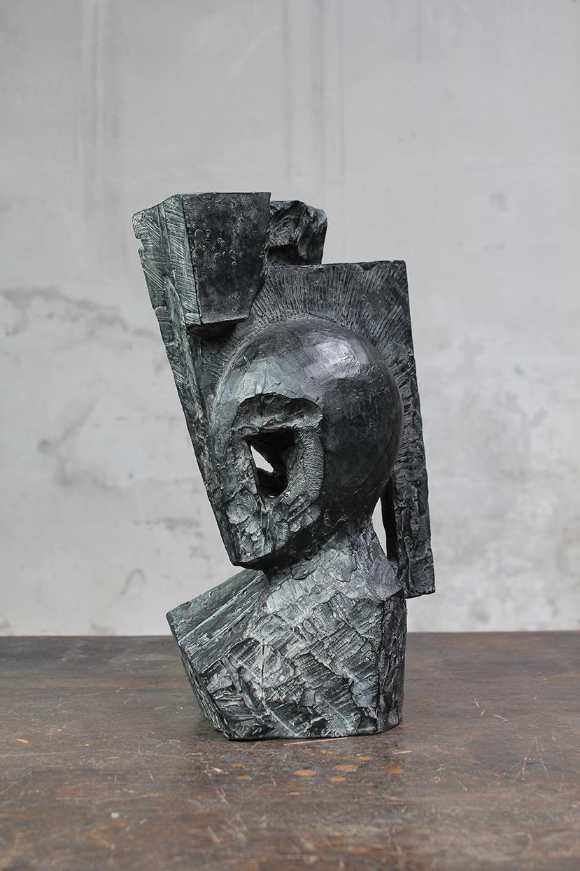 Pion, pièce d'angle, 2016, bronze, 32 x 21 x 16 cm <br> © Mathilde de Torhout