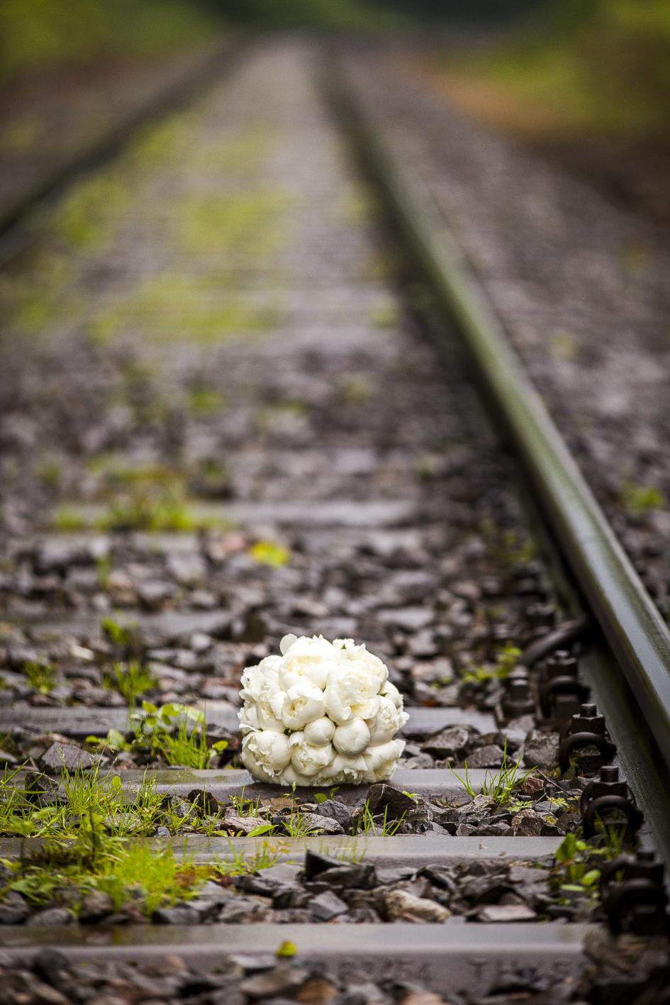 Brautstrauß-Eisenbahngleis