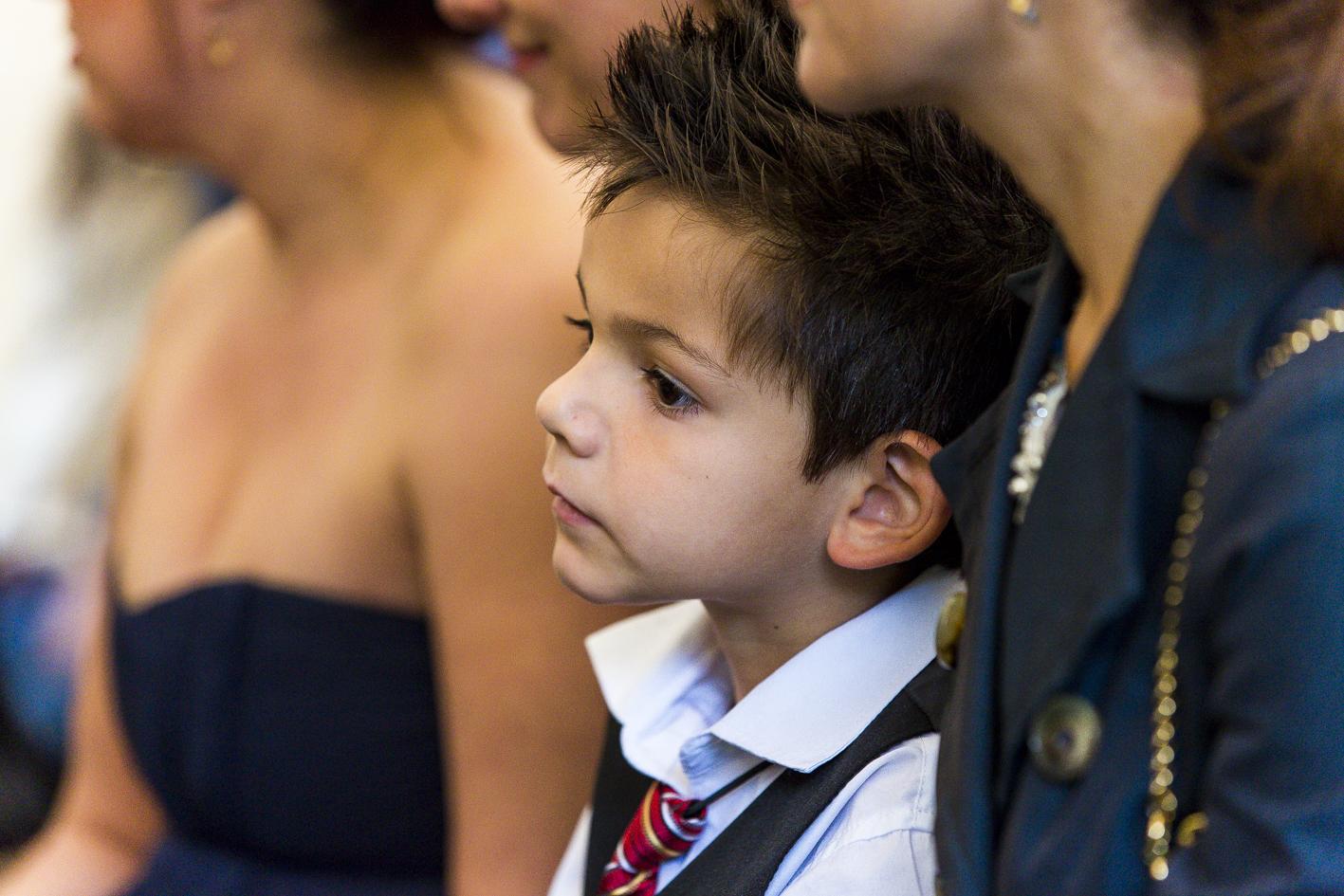 Hochzeitsgast-kleiner Junge