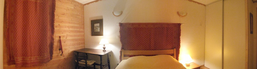 Vue panoramique de la chambre Sud: 11 m², rangements.