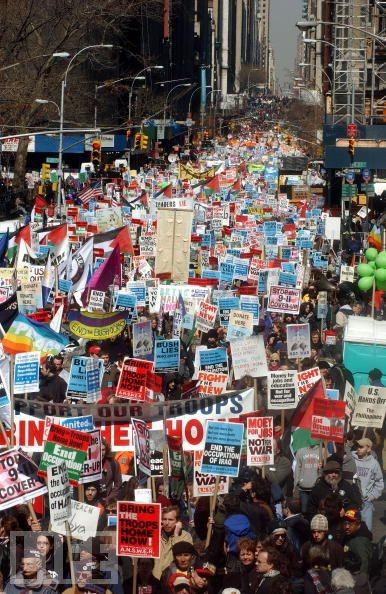 Antikrigsdemo i New York i 2003