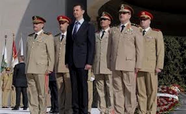 Basher al Assad med den syriske hærs generalstab