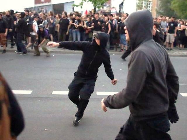 Mindre gadekampe med politiet i og omkring bydelen Kreuzberg