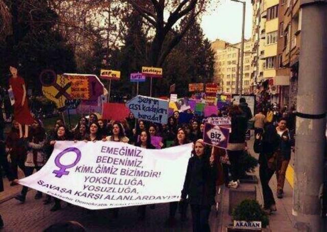 8.marts demo i den kurdiske by Eskisehir