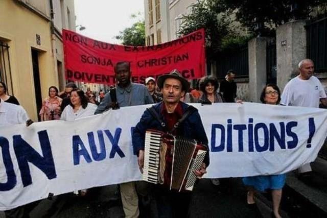 Lokale protester mod udleveringen af Sonja og Christian, Frankrig 2011