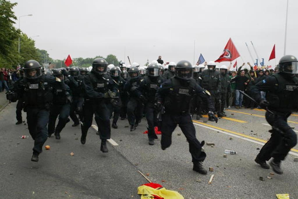 Konfrontationer med politiet ved G8 topmøde i Rostock Heiligendamm i 2007