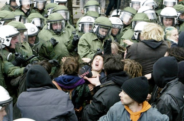 Politrepression, december 2013