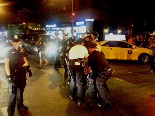NY. Politiangreb på demonstranterne, 5 er blevet anholdt