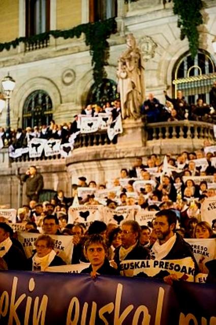 100.000 deltagere i byen Bilbo (Bilbao), den 7. januar 2012 i solidaritet med de baskiske politiske fanger.