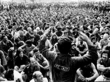 """Fabriksmøde af Fiatarbejdere, organiseret af """"Potere Operaio"""""""