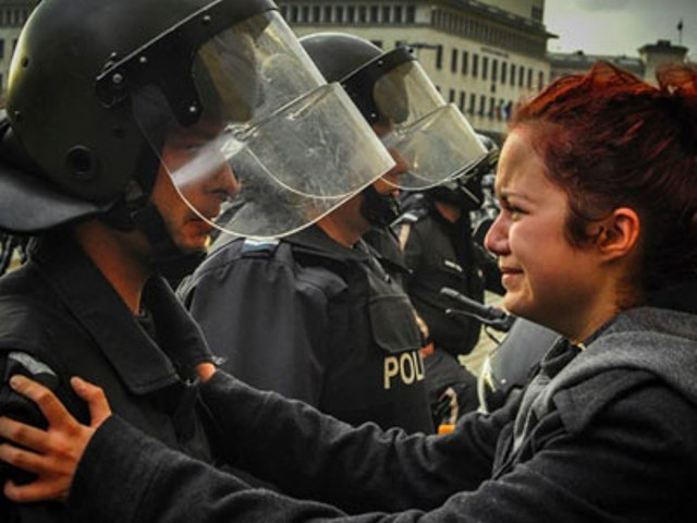 Sammenstød med politiet i byen Tuzla
