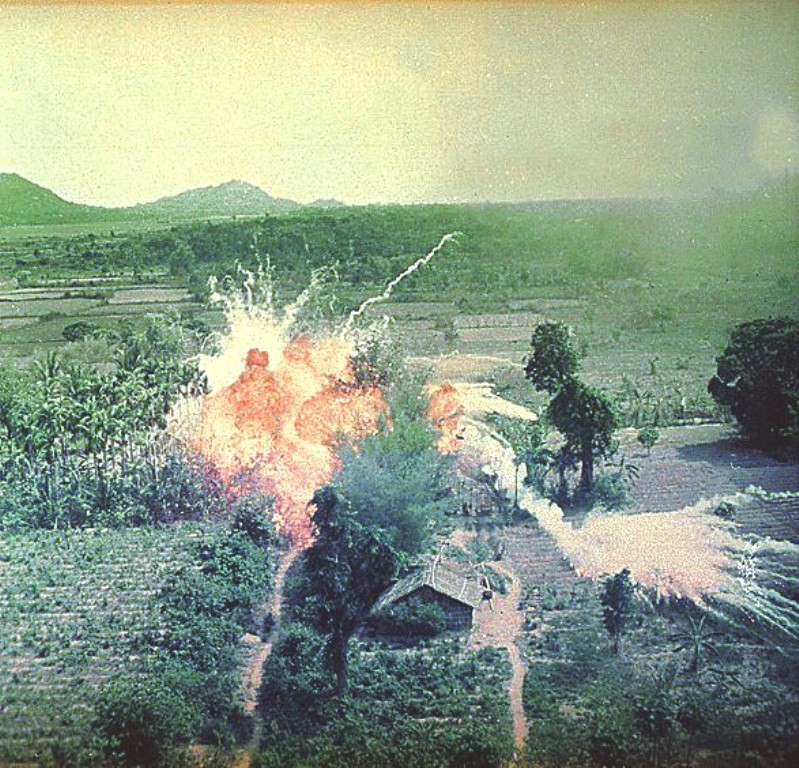 Napalm-indsats mod civilbefolkningen