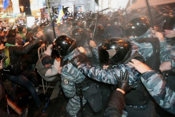 Konfrontationerne på Maidan-pladsen i Kiev (november 2013 - februar 2014)