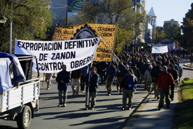 Demonstration for arbejderkontrol i Argentina