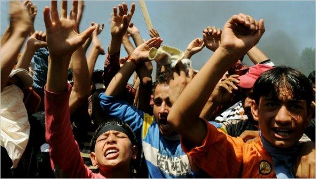 Demonstration mod den indiske stats diskriminering af muslimerne i Kashmir