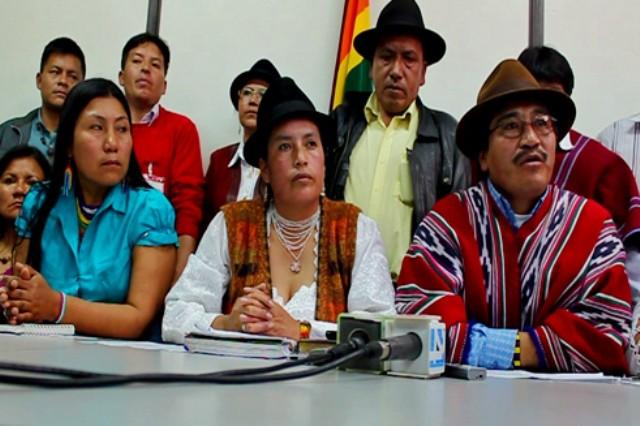 """Protestforsamling af CONAIE - """"Konføderation af Ecuadors indigene folkeslag"""""""