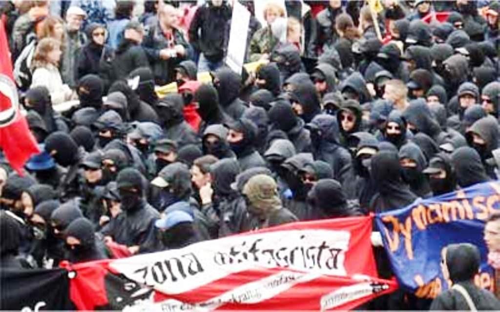 Interventionistische Linke - blok ved G8 topmøde i Rostock Heiligendamm i 2007