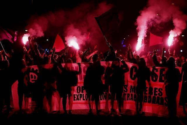 8.marts i Madrid: Kvindedemo imod regeringens angreb på  fri abort