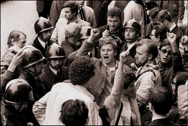 Daniel Cohn-Bendit, 1968 Paris. Medlem af en venstreradikal, libertær gruppe på Nanterre-universitetet