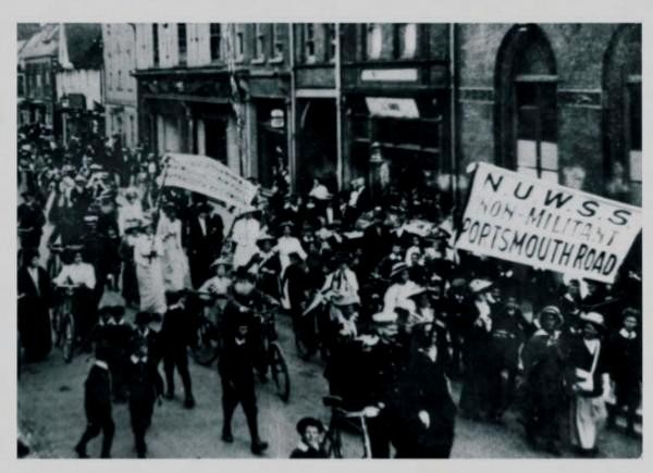 Suffragette-demo i London d 1.august 1913
