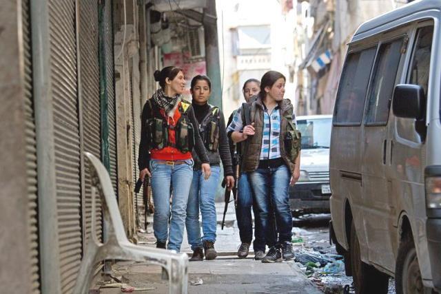 Kurdiske fightere i Aleppos bydel Sheikh Maqsood