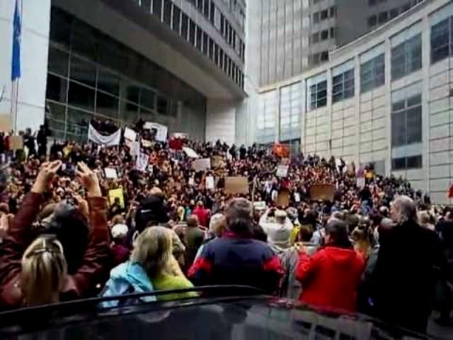 Occupy-Frankfurt og internationalister demonstrerer foran Den Europæiske Centralbank