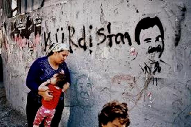 Istanbuls mest spraglede bydel Tarlabasi. Vægmaleriet af den fængslede PKK-leder Abdullah Öcalan