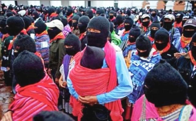 Zapatistiske kvinder med børn i demonstration