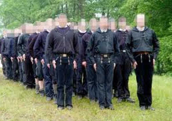 "Det i 2009 forbudte højreekstremistiske ""Heimattreue deutsche Jugen"" - HDJ"