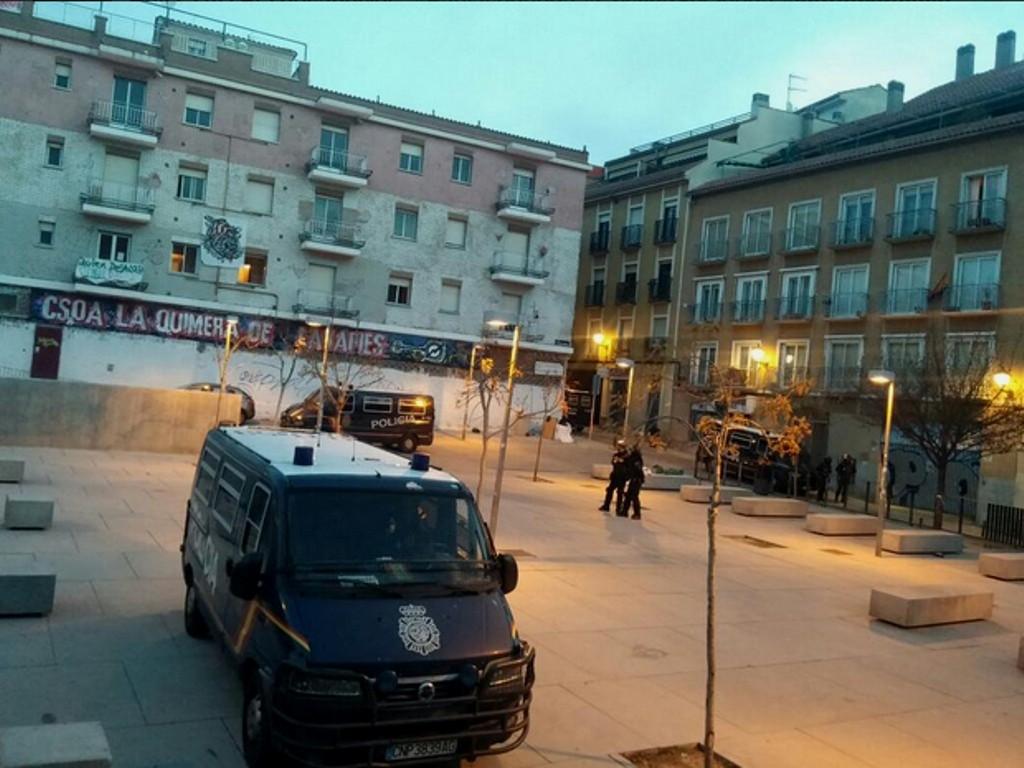 "Politi raid mod det selvstyrede hus  ""La Chimera"" i Madrid den 30. marts 2015"