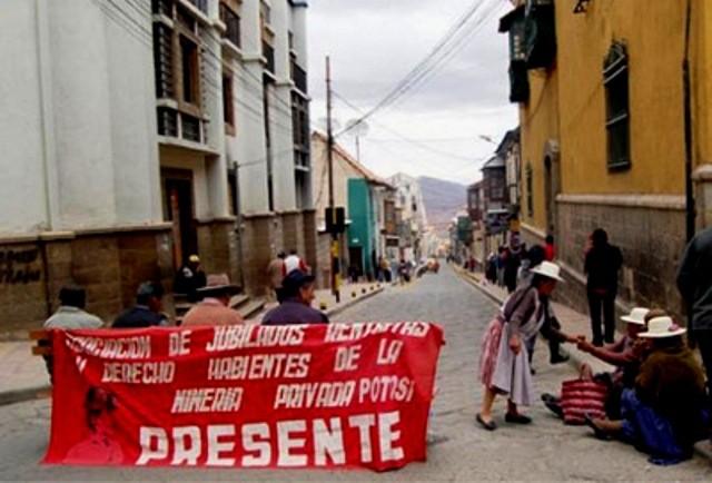 Indigen protestaktion i byen Potosi, 600 km sydøst fra hovedstaden La Paz, august 2010