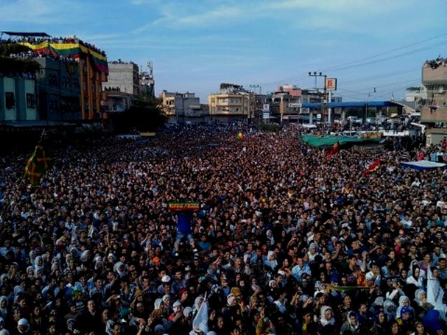 4. november 2012: Solidaritetsdemonstration med de sultestrejkende i den kurdiske by Adana