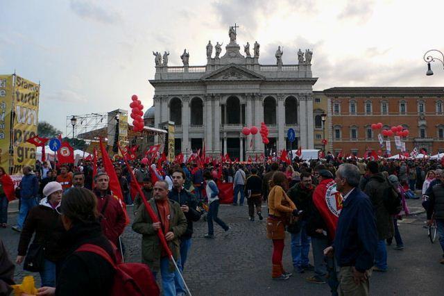 "Manifestation af ""Rifondazione Comunista"""