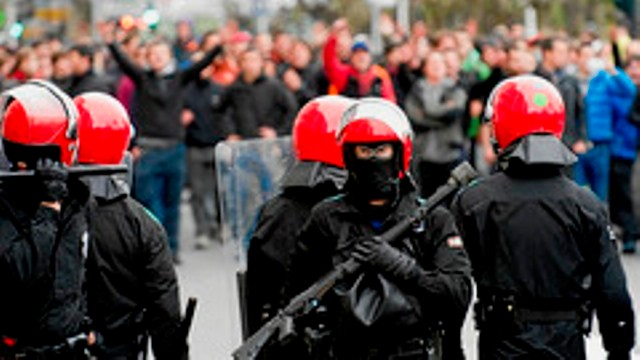 Riotpoliti mod oppositionel demonstration
