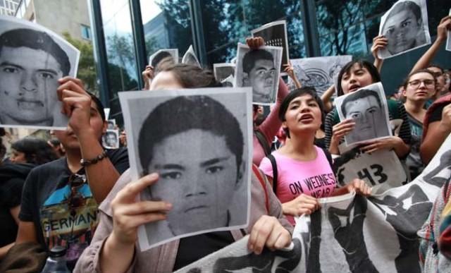 Vrede protester over hele Mexico imod massedrabene på studenterne