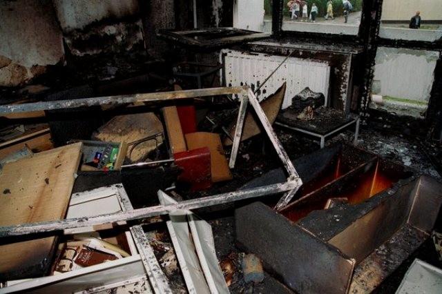Udbrænd lejlighed i vietnamesernes Sonnenblumenhaus